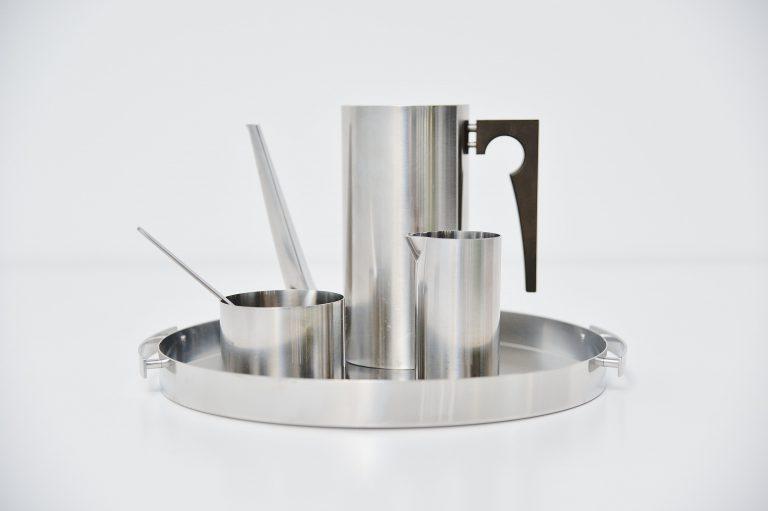 Arne Jacobsen mocca set Cylinda line Stelton 1957