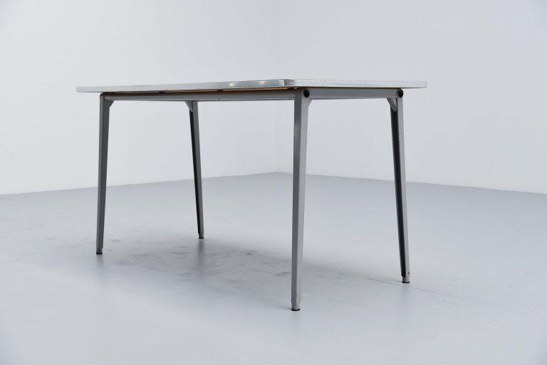 Friso Kramer Reform table Ahrend de Cirkel linoleum 1955