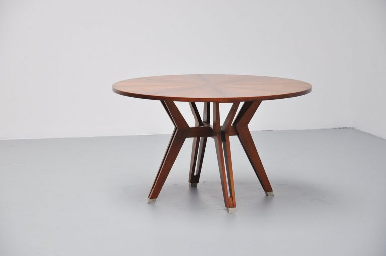 Ico Parisi MIM round dining table in Walnut 1958