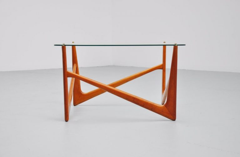 Sculptural coffee table made in Italy 1950