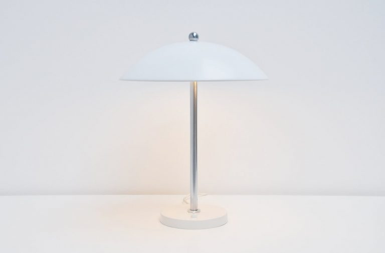 White Wim Rietveld mushroom table lamp Gispen 1950