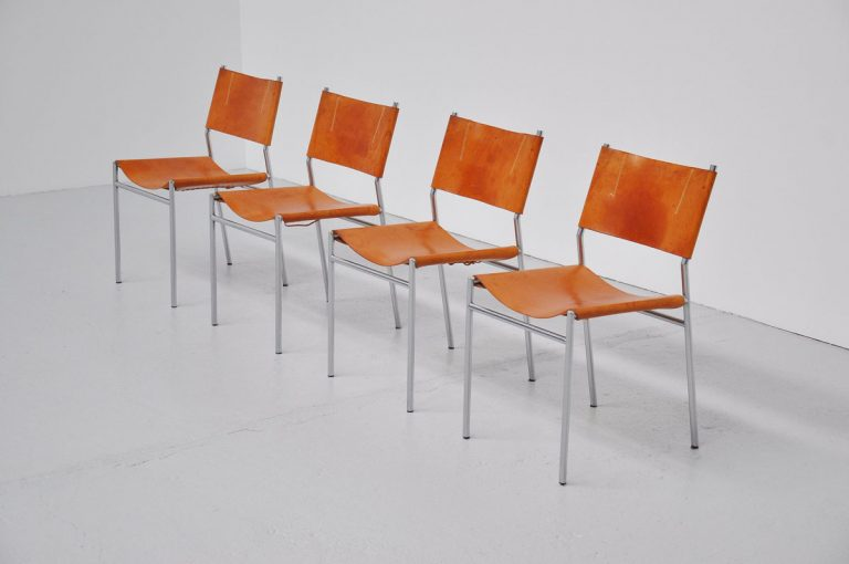 Martin Visser SE06 dining chairs natural leather 1967
