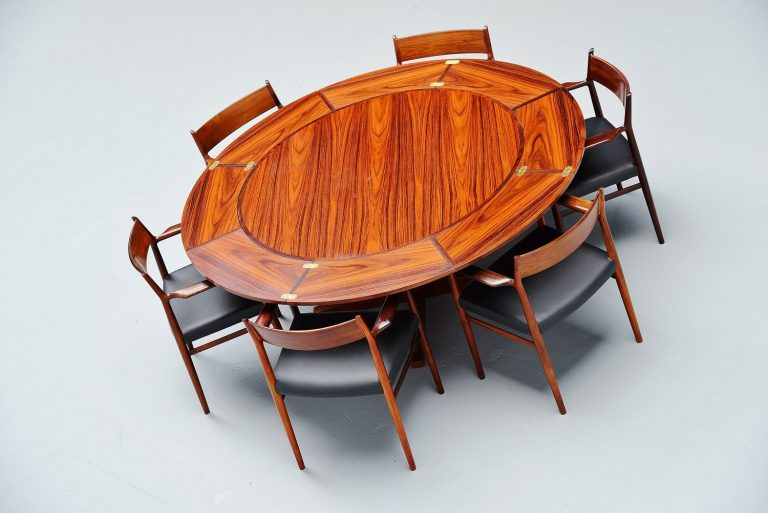 Dyrlund extendable rosewood dining table Denmark 1962