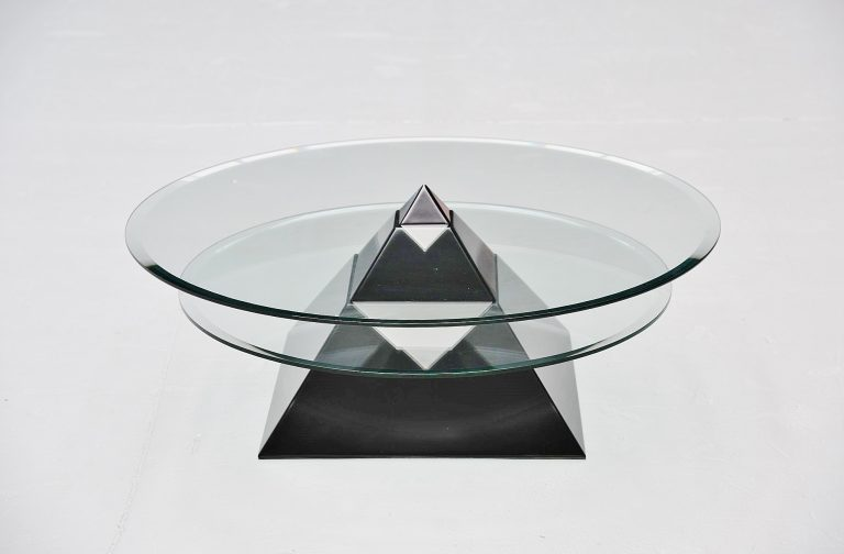 Space age coffee table pyramid shaped Italy 1970