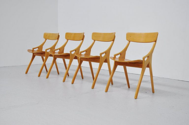 Arne Hovmand Olsen oak dining chairs 1960