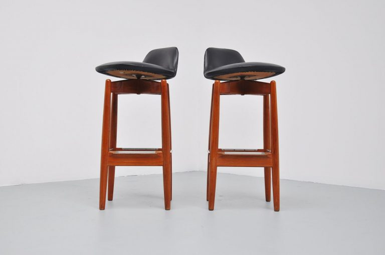 Arne Vodder bar stools model 64, 1960