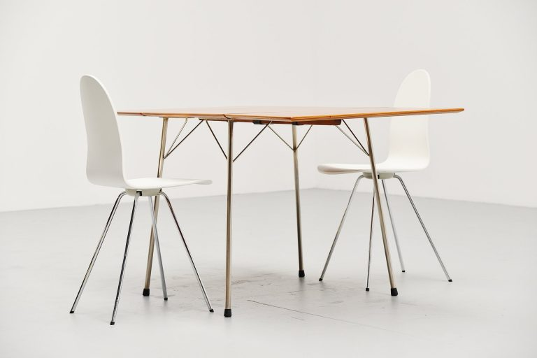 Arne Jacobsen folding table Fritz Hansen 1952