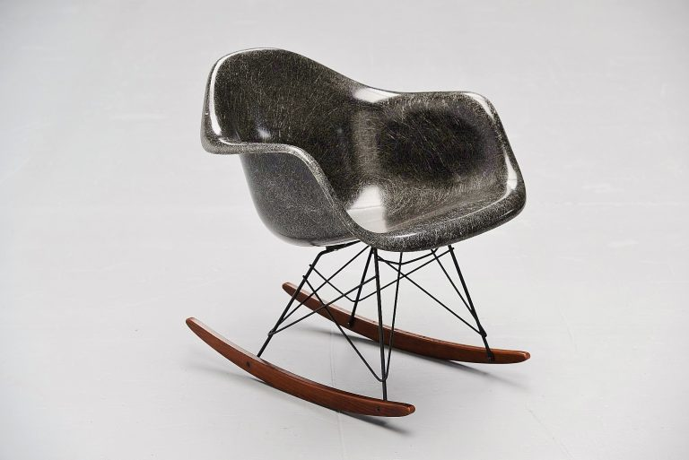 Charles Eames RAR rocking chair Herman Miller 1965
