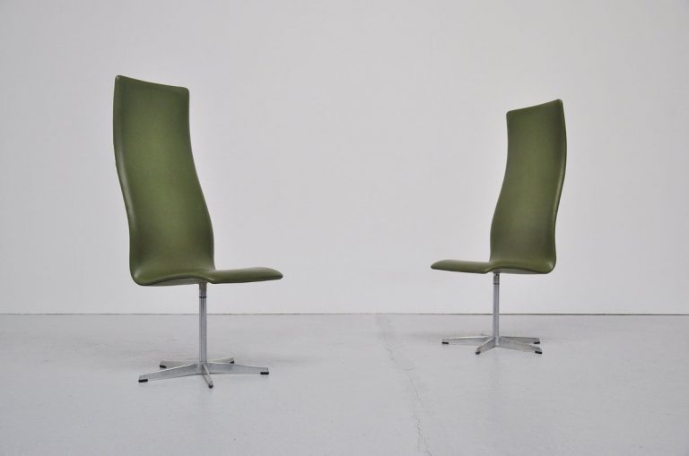 Arne Jacobsen Oxford charis pair 1962
