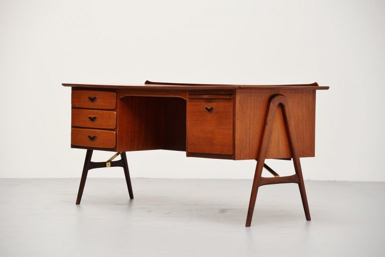 Webe desk by Louis van Teeffelen Holland 1959