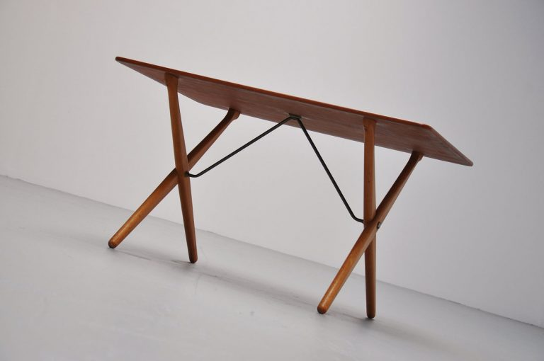 Hans Wegner coffee table AT308 1955