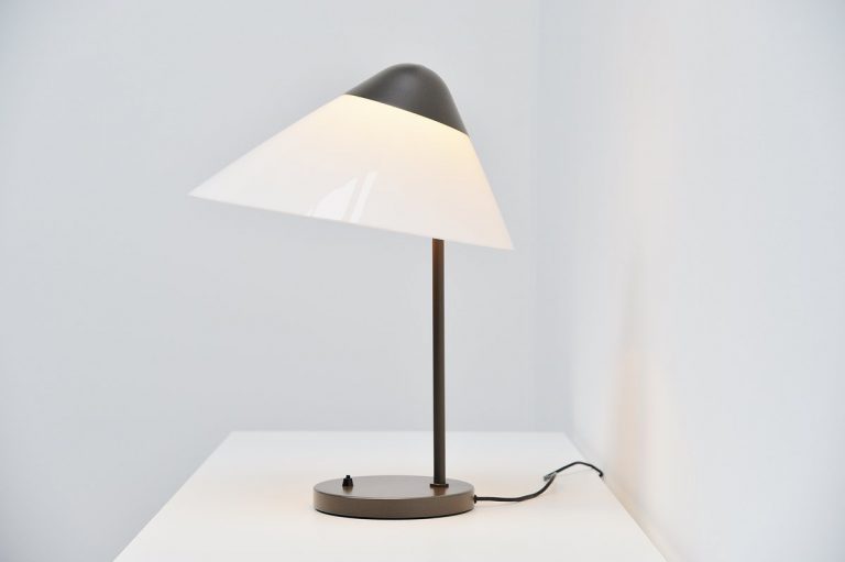 Hans J. Wegner Opala table lamp for Louis Poulsen 1975