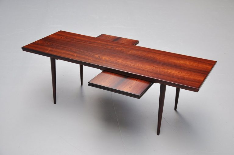 Danish rosewood coffee table with nesters 1960