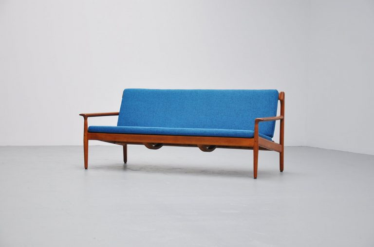 Bovenkamp lounge sofa in oak 1960