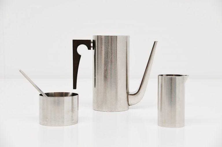 Arne Jacobsen moka set Cylinda line Stelton 1957