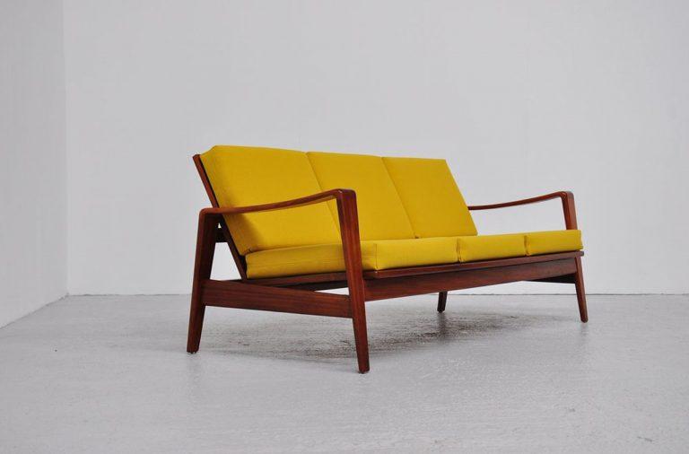 Arne Wahl Iversen sofa Komfort Denmark 1960