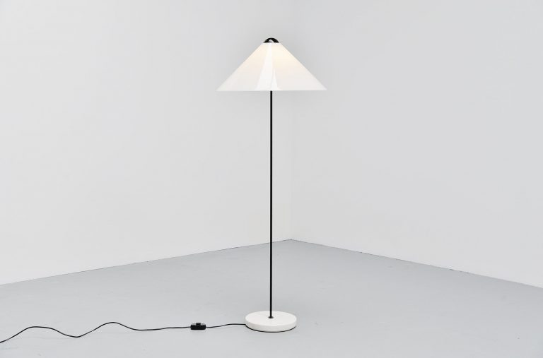 Vico Magistretti Snow floor lamp Oluce Italy 1973