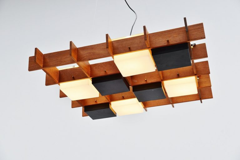 Esperia chandelier in teak and plexi cube frame Italy 1950