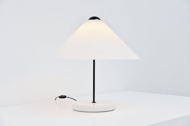 Vico Magistretti Snow table lamp Oluce 1973