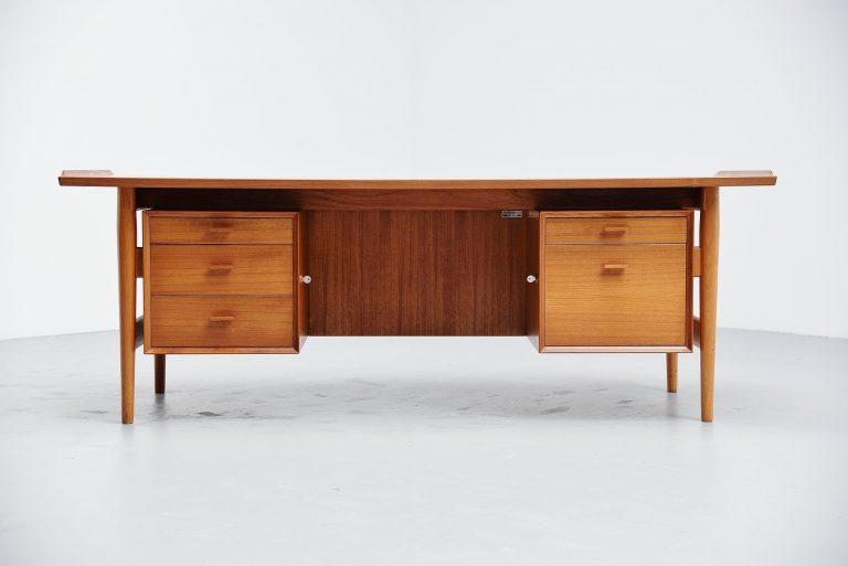 Arne Vodder desk in teak Sibast Mobler Denmark 1960