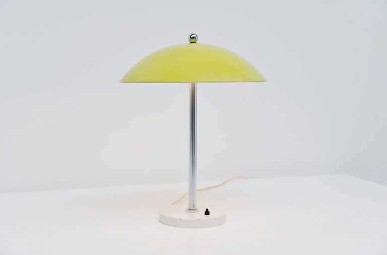 Wim Rietveld table lamp mushroom yellow Gispen 1950