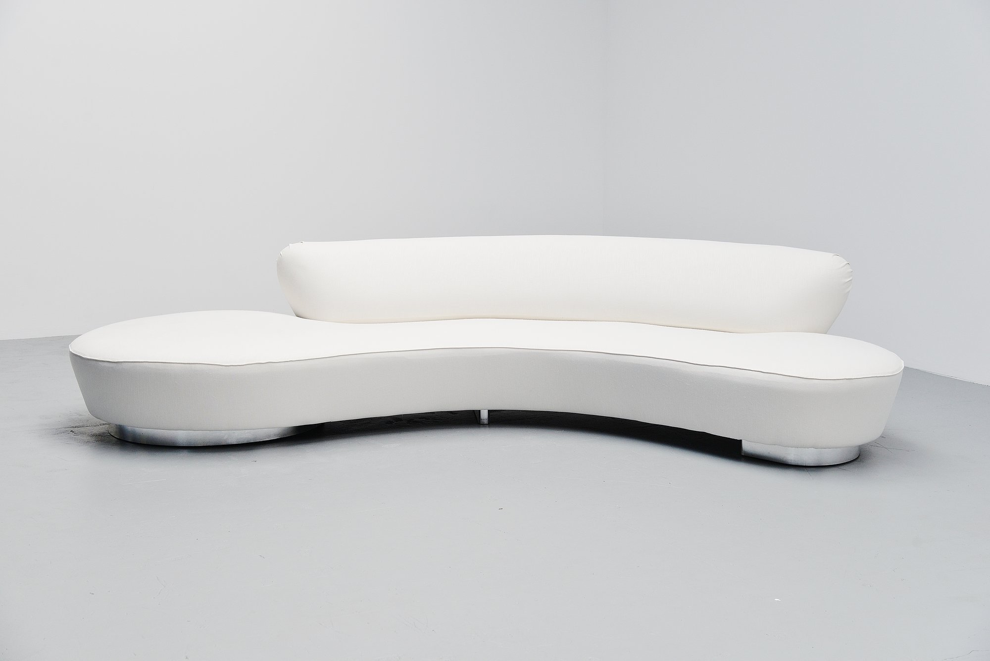 Vladimir Kagan Serpentine Sofa United States 1999