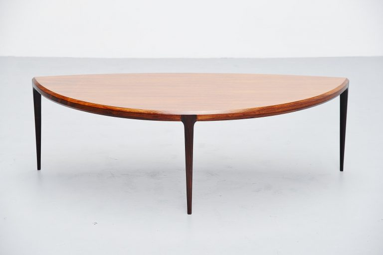 Johannes Andersen moon shaped coffee table Silkeborg 1960