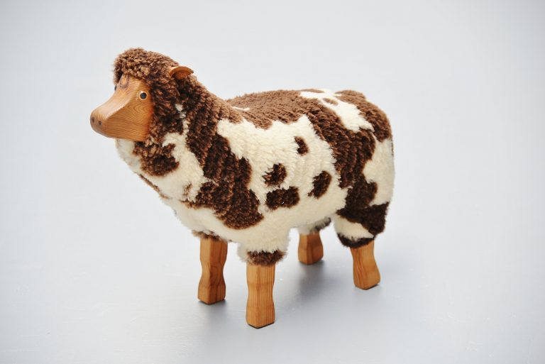 Small sheep stool in the manner of Francois Xavier Lalanne 1970
