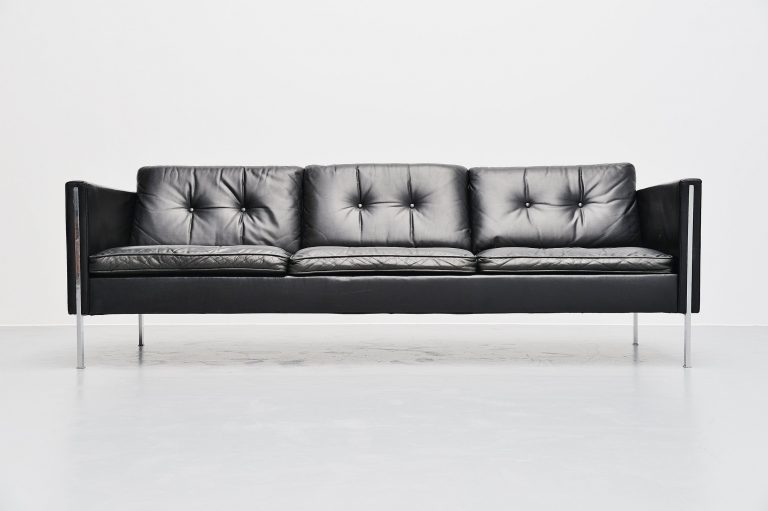 Pierre Paulin 442/3 sofa by Artifort Holland 1962 Black