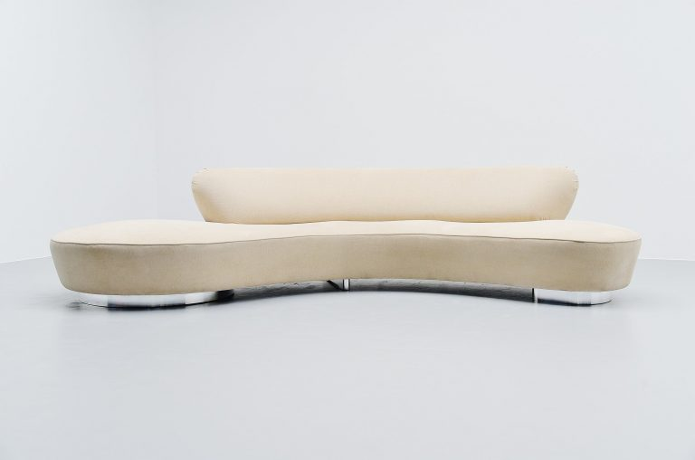 Serpentine sofa Vladimir Kagan United States 1999