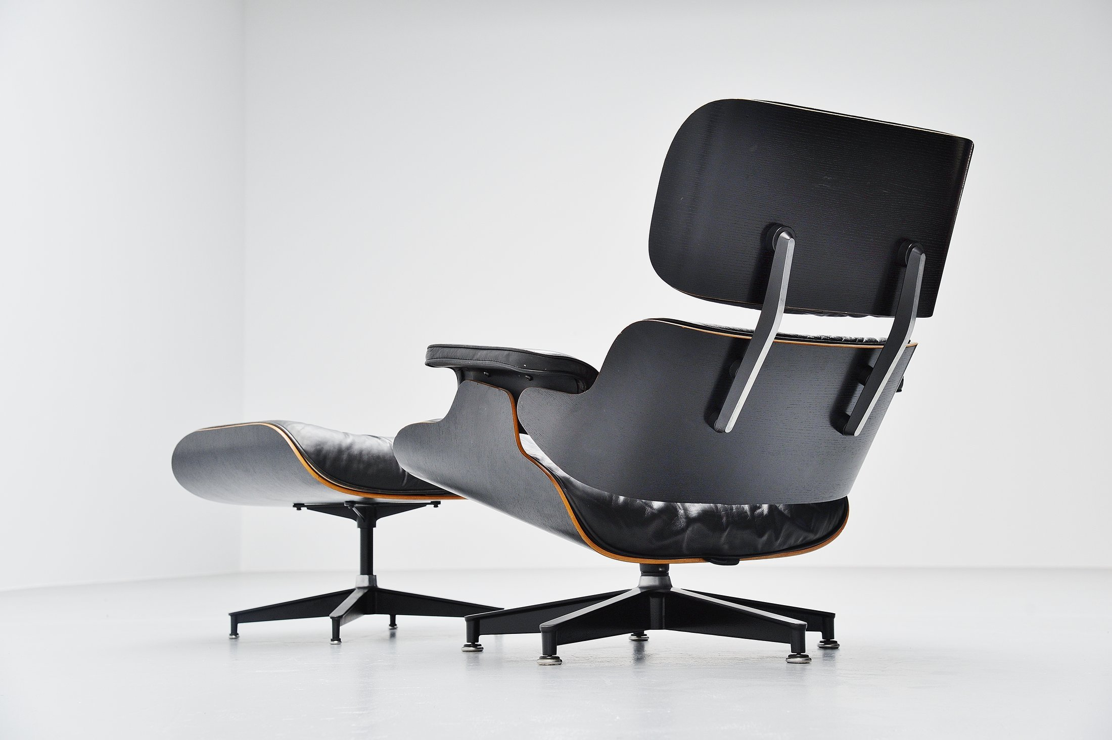 Terrific Charles And Ray Eames Lounge Chair Herman Miller Usa 1956 Lamtechconsult Wood Chair Design Ideas Lamtechconsultcom