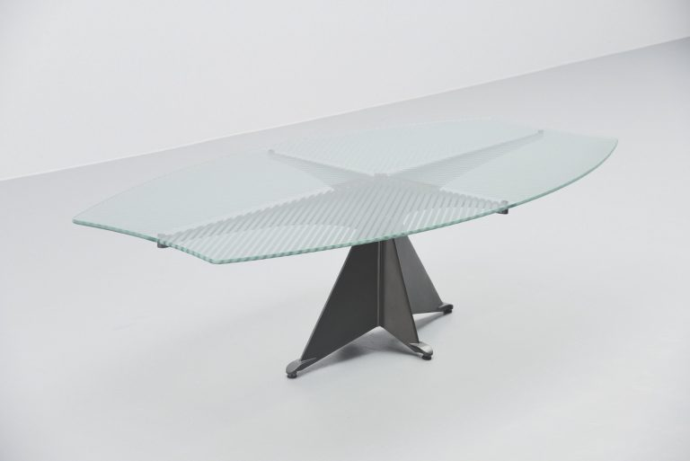 Oscar Tusquets Alada table by Casas Spain 1988