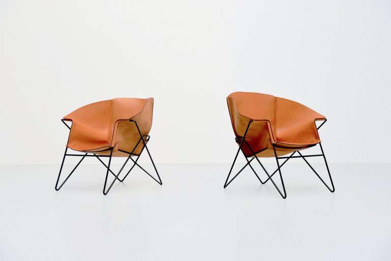 Sculptural leather lounge chairs Italy 1970