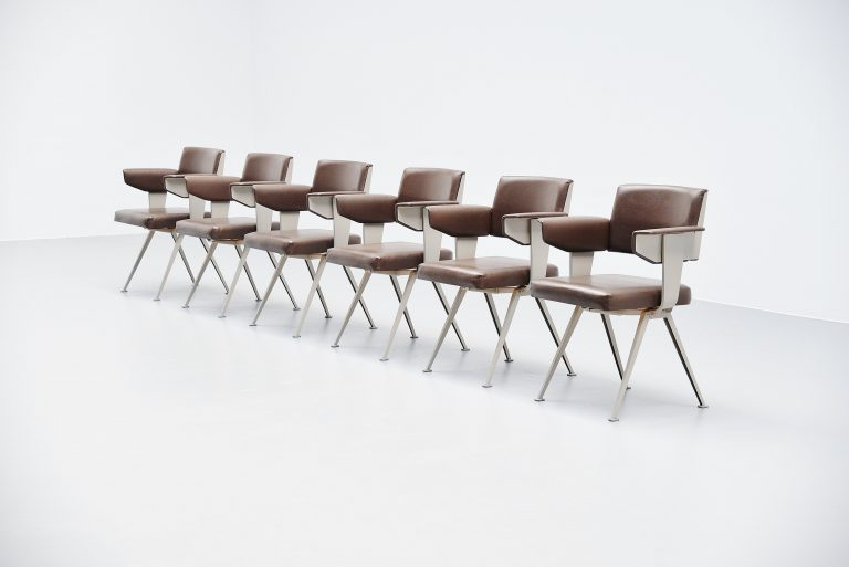 Friso Kramer Resort armchair set Ahrend de Cirkel Holland 1960