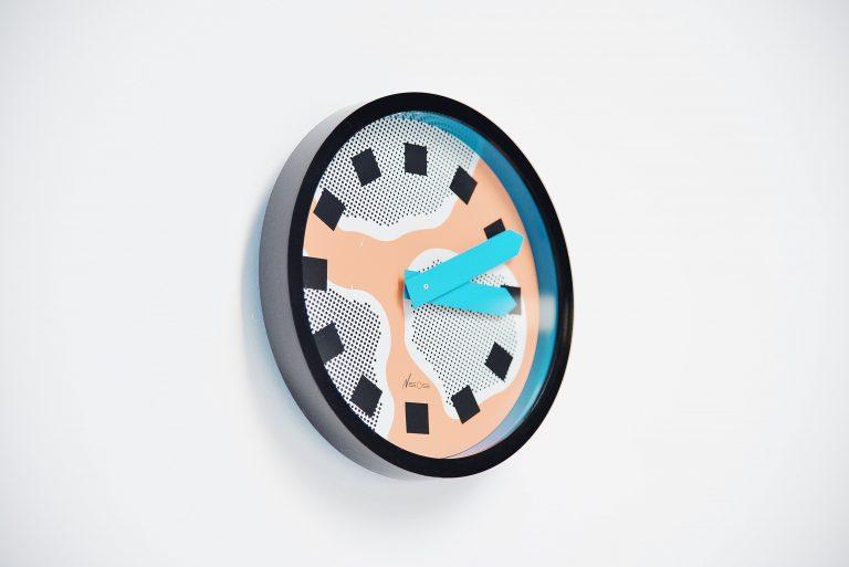 Nathalie du Pasquier George Sowden Neos clock Italy 1988 salm