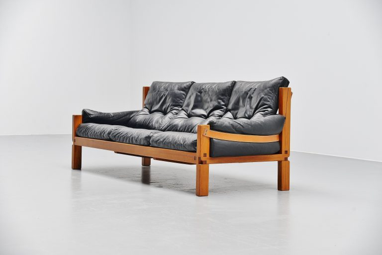 Pierre Chapo S32 sofa in elm and leather France 1967