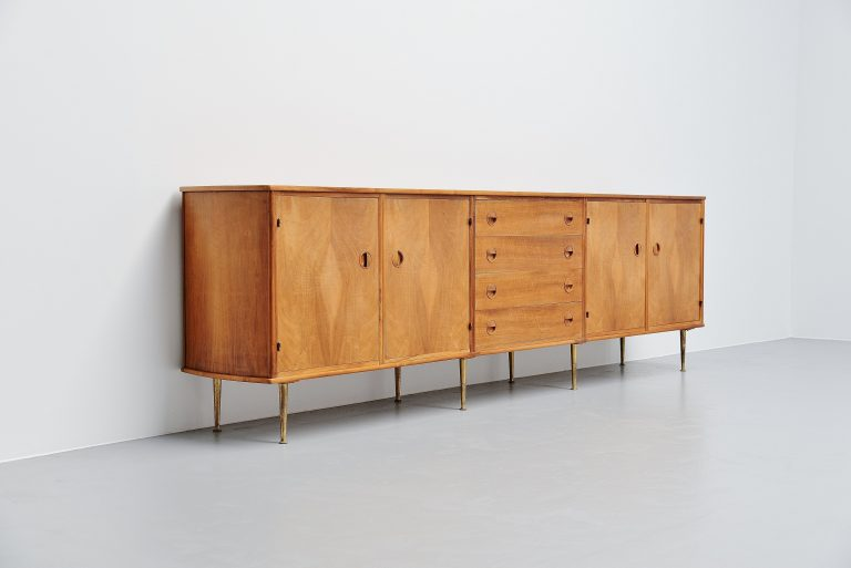William Watting large credenza in walnut Fristho 1956