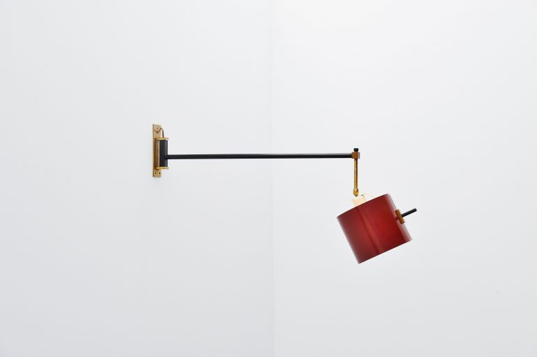 Giuseppe Ostuni attributed wall lamp Oluce Italy 1955