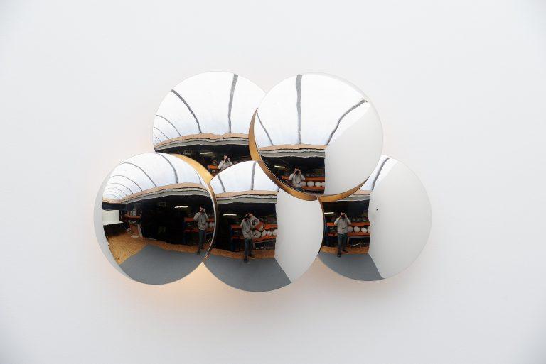 Goffredo Reggiani Convex disc wall lamp Italy 1970